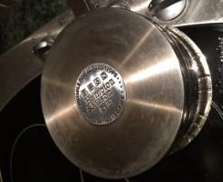 家にある片手鍋の底。ちょっとジフで磨いてみました♪